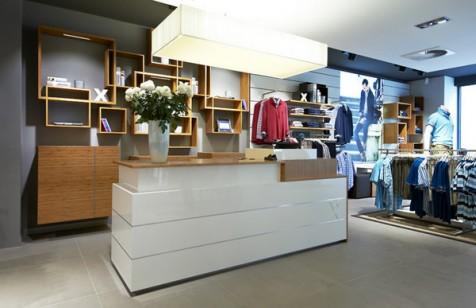 Mẫu thiết kế cửa hàng thời trang Brax